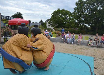 Camping De Keranterec : Combat Sumo 1024x683
