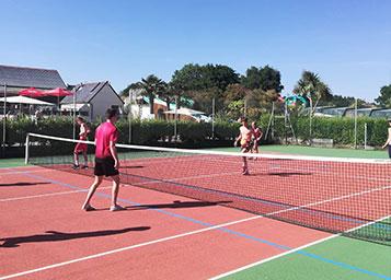Campingplatz Kérantérec: Tennisplatz