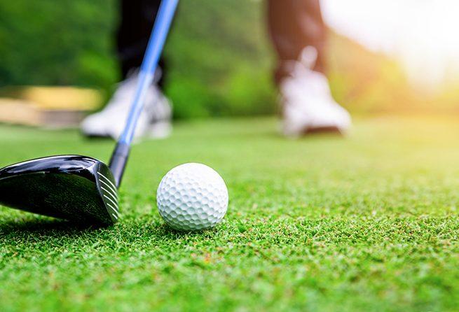 Camping De Kérantérec : Close Up Golf Ball On Green Grass